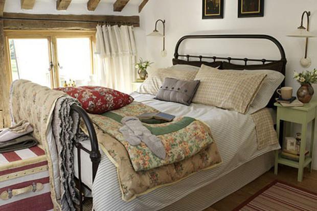 dizajn-interera-spalni-v-stile-kantri-1